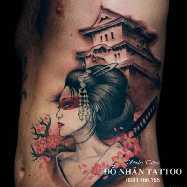 Hình xăm Geisha cầm kiếm