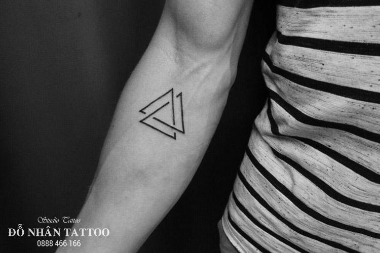 Ý nghĩa hình xăm tam giác