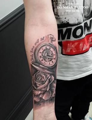 Hình xăm đồng hồ hoa hồng 16