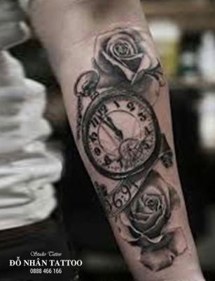Hình xăm đồng hồ hoa hồng 2