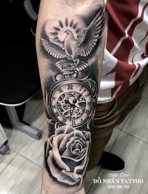 Hình xăm đồng hồ hoa hồng 44